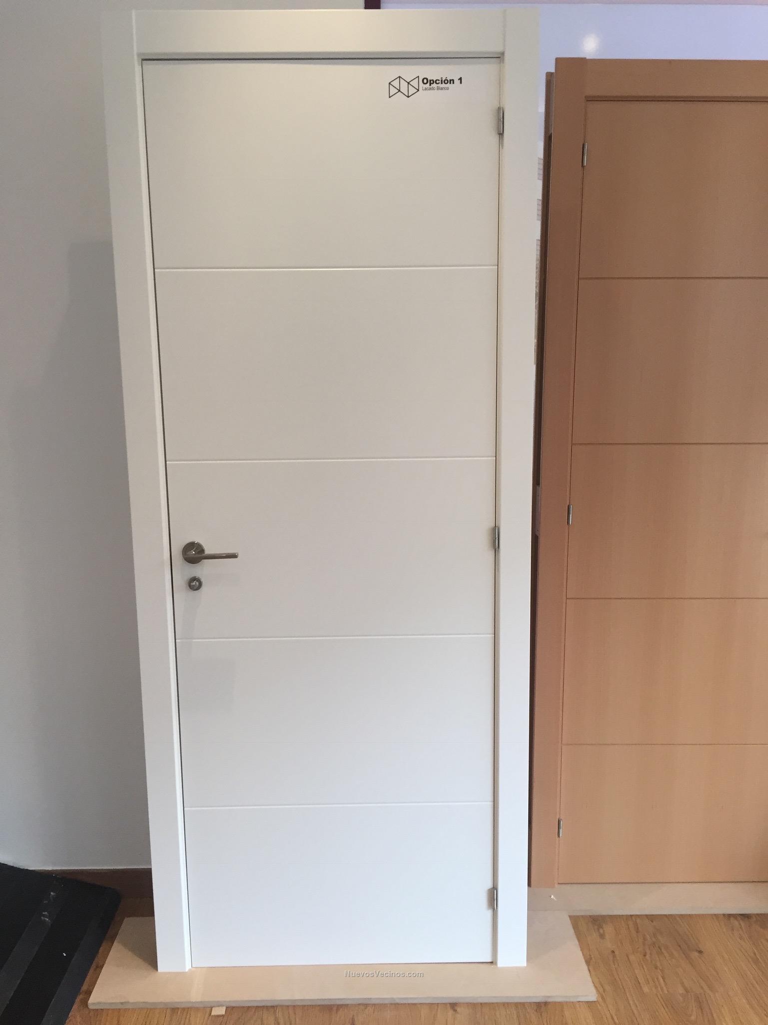 Puerta lacada blanca simple affordable awesome puerta for Puertas madera blancas precios