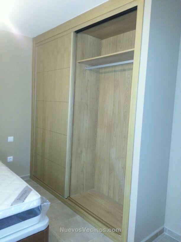 Residencial entrestrellas fotos armario empotrado - Como colocar puertas correderas ...