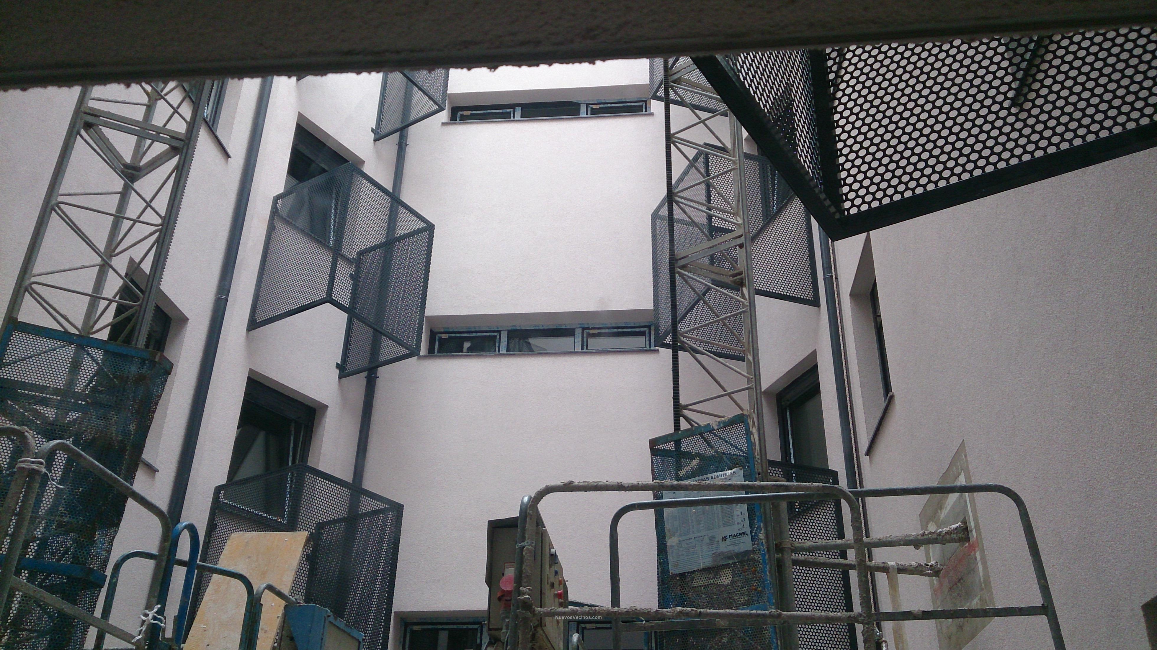 Erandio goikoa s coop fotos tendederos patio - Tendederos de interior ...