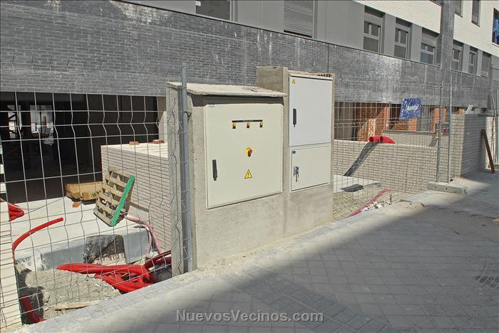 20120610125351734_jhg5466_pr_1_instalaci%c3%b3n_el%c3%a9ctrica_en_la_calle_de_la_derecha_p
