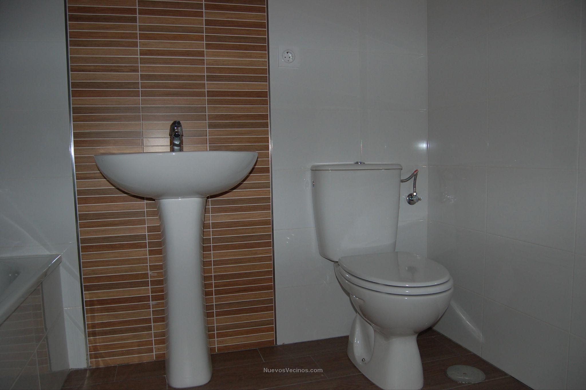 Baño Pequeno Original:Vimcorsa Mirabueno 123 VPO – Fotos – Cuarto Baño Pequeño II